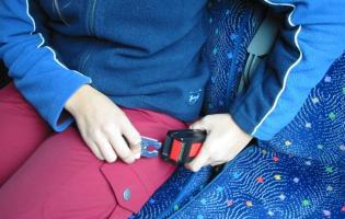 Ceinture bouclée dans le bus
